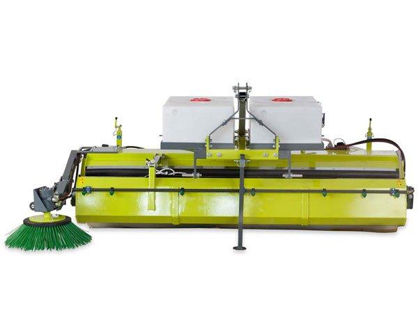 Kehrmaschine Heckanbau hydraulischer Antrieb